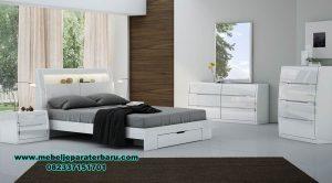 set tempat tidur modern terbaru mewah stt-157